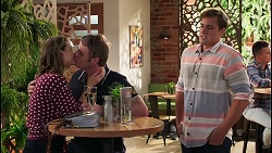 Amy Williams, Gary Canning, Kyle Canning in Neighbours Episode 8073