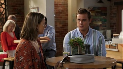 Amy Williams, Kyle Canning in Neighbours Episode 8074