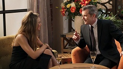 Chloe Brennan, Max Walpole in Neighbours Episode 8074