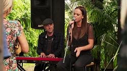 Keyboardist, Bea Nilsson in Neighbours Episode 8075