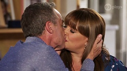 Paul Robinson, Terese Willis in Neighbours Episode 8081