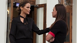 Elly Brennan, Bea Nilsson in Neighbours Episode 8087