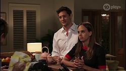 Finn Kelly, Bea Nilsson in Neighbours Episode 8088