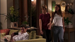 Finn Kelly, Susan Kennedy, Bea Nilsson in Neighbours Episode 8088