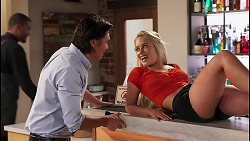 Leo Tanaka, Roxy Willis in Neighbours Episode 8091
