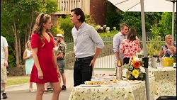 Chloe Brennan, Leo Tanaka, Gary Canning, Amy Williams, Sheila Canning in Neighbours Episode 8091