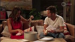 Elly Brennan, Mark Brennan in Neighbours Episode 8094