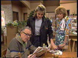 Dan Ramsay, Madge Bishop, Shane Ramsay in Neighbours Episode 0406