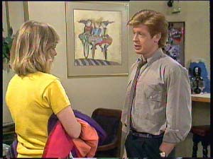 Jane Harris, Clive Gibbons in Neighbours Episode 0406