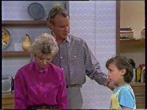 Helen Daniels, Jim Robinson, Lucy Robinson in Neighbours Episode 0406