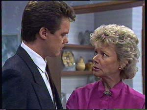 Paul Robinson, Helen Daniels in Neighbours Episode 0407