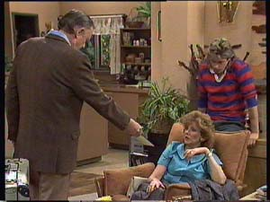 Dan Ramsay, Madge Bishop, Shane Ramsay in Neighbours Episode 0407