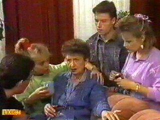 Nell Mangel, Jane Harris, Daphne Clarke, Des Clarke, Mike Young in Neighbours Episode 0526