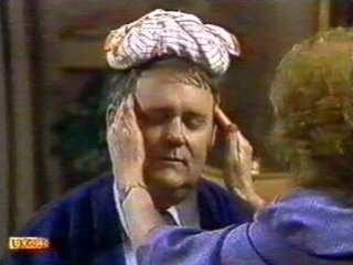 Harold Bishop, Madge Bishop in Neighbours Episode 0528