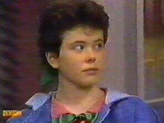 Lucy Robinson in Neighbours Episode 0534