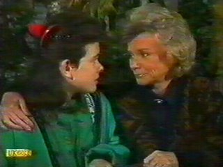 Helen Daniels, Lucy Robinson in Neighbours Episode 0537