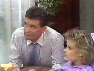 Des Clarke, Daphne Clarke in Neighbours Episode 0538