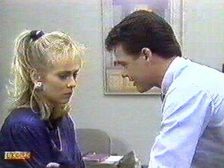 Jane Harris, Paul Robinson in Neighbours Episode 0541
