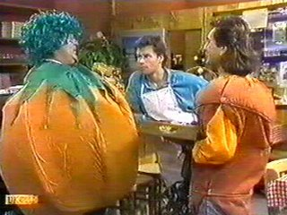 Harold Bishop, Mike Young, Gino Rossini in Neighbours Episode 0541