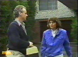 Jim Robinson, Beverly Marshall in Neighbours Episode 0542