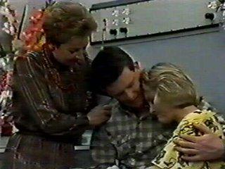 Eileen Clarke, Des Clarke, Daphne Clarke in Neighbours Episode 0546