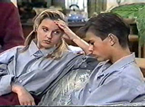 Melissa Jarrett, Todd Landers in Neighbours Episode 1197