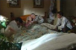 Harold Bishop, Tad Reeves, Paul McClain, Madge Bishop in Neighbours Episode 3740