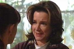 Lyn Scully, Susan Kennedy in Neighbours Episode 4075