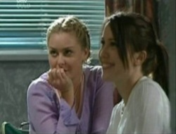 Michelle Scully, Libby Kennedy in Neighbours Episode 4079