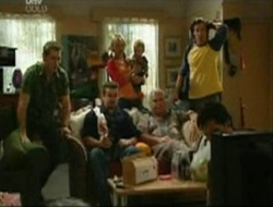 Stuart Parker, Toadie Rebecchi, Steph Scully, Ben Kirk, Lou Carpenter, Drew Kirk, Darcy Tyler in Neighbours Episode 4080