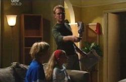 Boyd Hoyland, Summer Hoyland, Max Hoyland in Neighbours Episode 4088