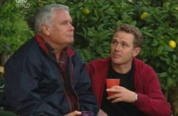 Lou Carpenter, Max Hoyland in Neighbours Episode 4089