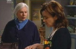 Rosie Hoyland, Lyn Scully in Neighbours Episode 4089