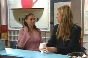 Amanda Cooper, Felicity Scully in Neighbours Episode 4092
