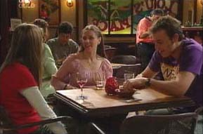 Felicity Scully, Amanda Cooper, Stuart Parker in Neighbours Episode 4092