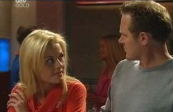 Dee Bliss, Max Hoyland in Neighbours Episode 4094