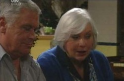 Lou Carpenter, Rosie Hoyland in Neighbours Episode 4094