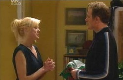 Dee Bliss, Max Hoyland in Neighbours Episode 4095