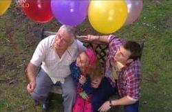 Lou Carpenter, Summer Hoyland, Stuart Parker in Neighbours Episode 4096