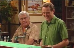 Lou Carpenter, Max Hoyland in Neighbours Episode 4098