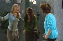 Steph Scully, Libby Kennedy, Lyn Scully in Neighbours Episode 4107