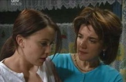 Libby Kennedy, Lyn Scully in Neighbours Episode 4107