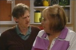 Kevin Rebecchi, Angie Rebecchi in Neighbours Episode 4112