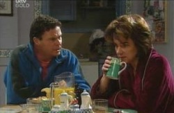 Joe Scully, Lyn Scully in Neighbours Episode 4113