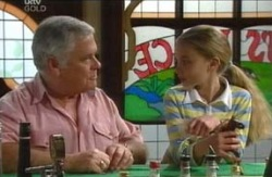 Lou Carpenter, Summer Hoyland in Neighbours Episode 4113