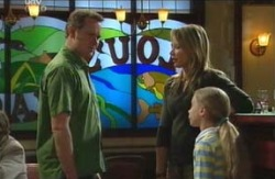 Max Hoyland, Steph Scully, Summer Hoyland in Neighbours Episode 4113