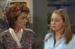 Lyn Scully, Michelle Scully in Neighbours Episode 4119