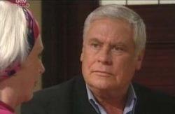 Lou Carpenter, Rosie Hoyland in Neighbours Episode 4119