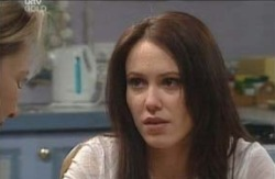 Libby Kennedy, Steph Scully in Neighbours Episode 4120