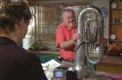 Isadora Gunn, Harold Bishop in Neighbours Episode 4120